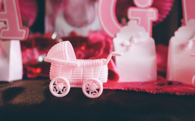 Objawy ciąży w pierwszym trymestrze – poznaj je i dowiedz się więcej o dolegliwościach, które możesz odczuwać na tym etapie