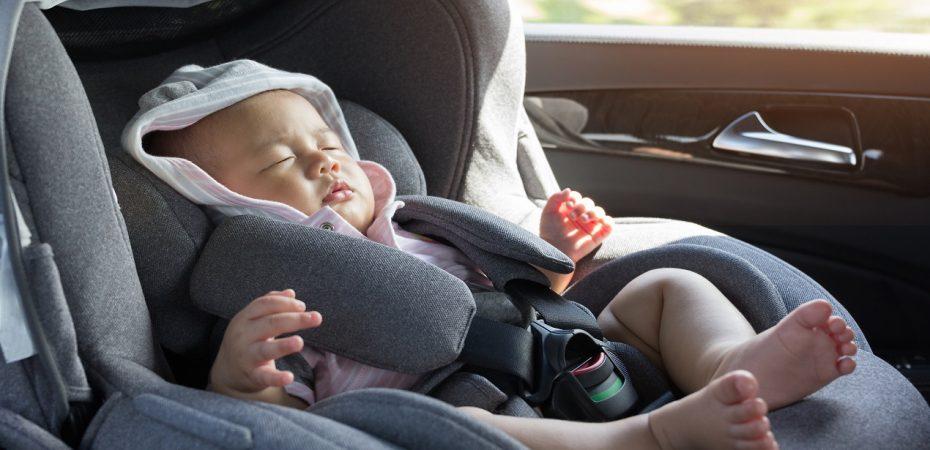 Samochód z wypożyczalni, a dziecko